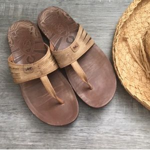 Chaco leather thongs